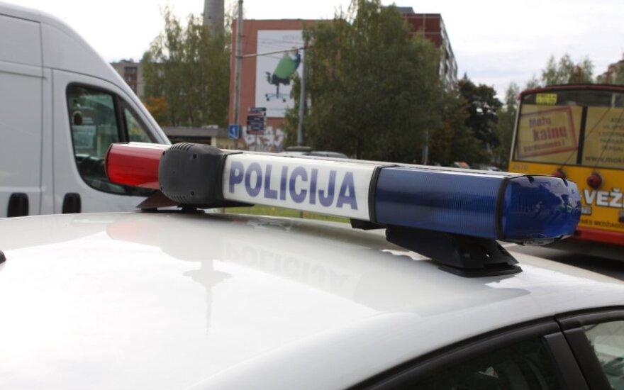 Kaišiadoryse automobilis partrenkė į gatvę išėjusią moterį