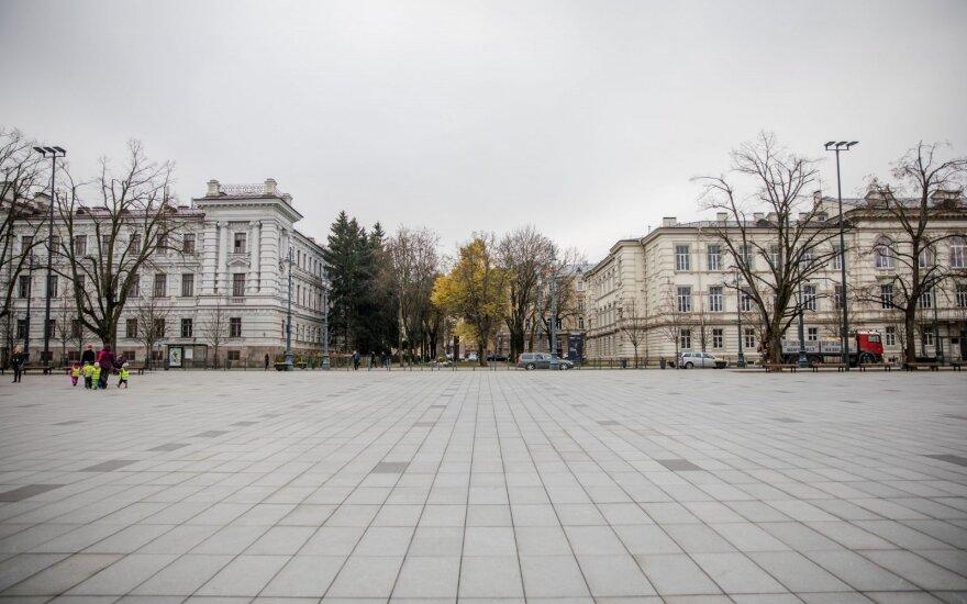 Penki Lukiškių aikštės memorialo maketai išsamiai pristatomi parodoje