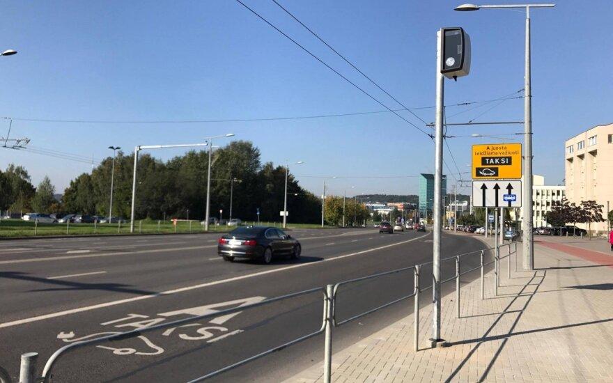 Vilniuje jau bandomas vairuotojus fiksuojantis radaras