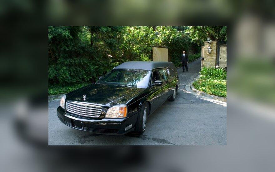 JAV laidojimo namai pasiūlė nemokamai laidoti girtus vairuotojus