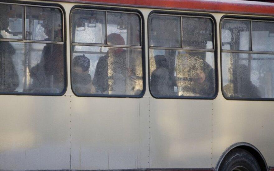 Ruošiasi sumažinti automobilių: turėsime pratintis prie viešojo transporto
