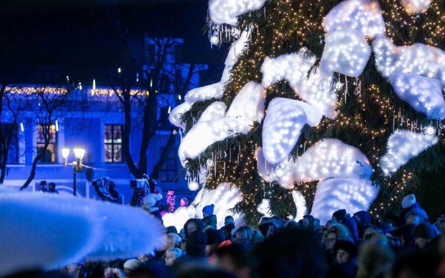 Šiemet pagrindinės Kauno aikštės kalėdinis papuošimas nuo ankstesnių skirsis kaip diena nuo nakties