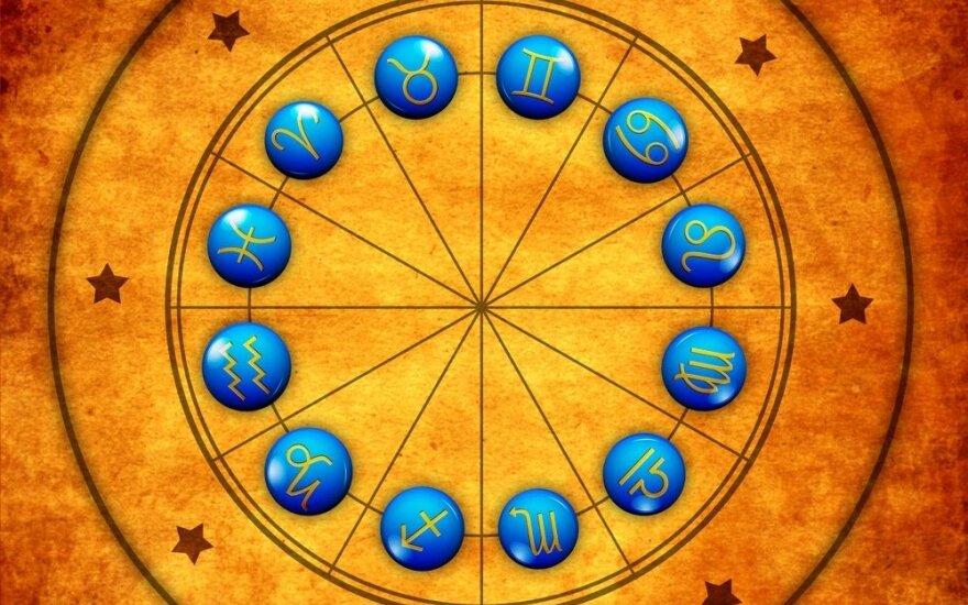 Astrologės Lolitos prognozė liepos 1 d.: vertėtų atsigręžti į save