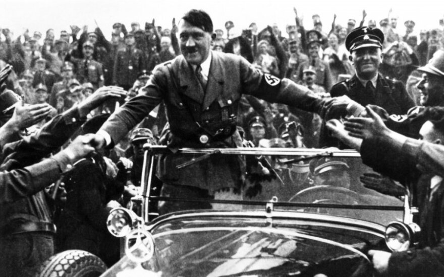 Žinia apie A. Hitlerio savižudybę nepaliko vilties: mieliau rinkosi mirtį