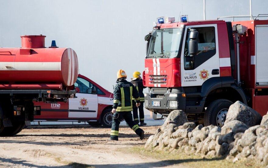 Lietuvoje šeštadienio vakarą pranešimai apie gaisrus