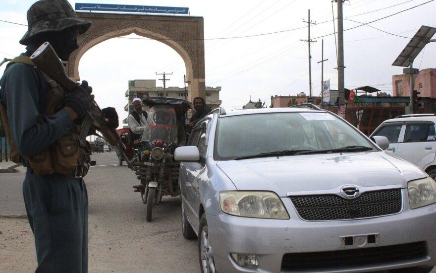 Talibanas užėmė rajoną netoli Afganistano sostinės (papildytas)