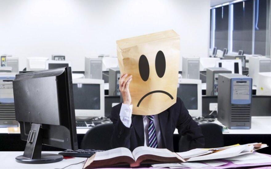 Savo darbo vieta nepatenkinti daugiau nei pusė darbuotojų