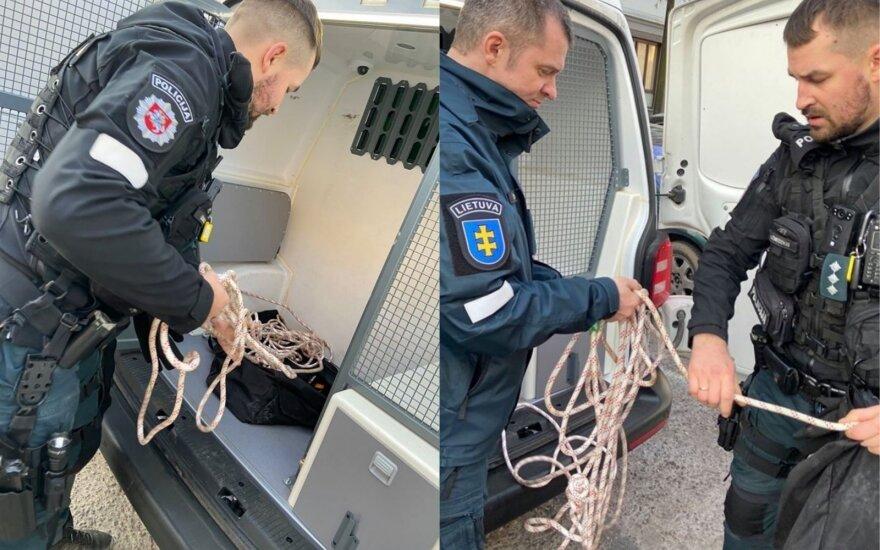 Policijos pareigūnai Kauno centre iš Nemuno traukė moterį