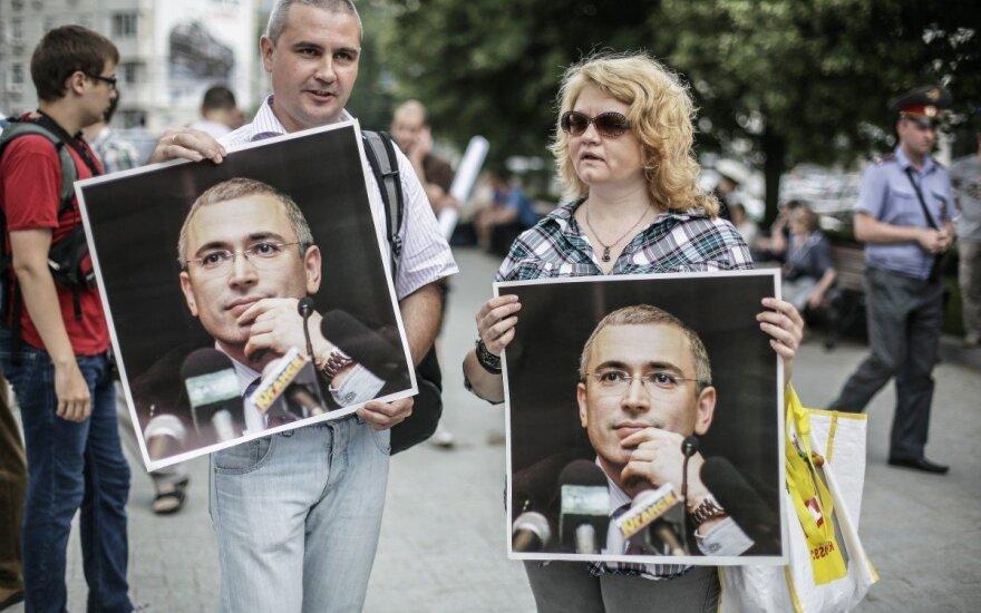 """Olandai išgelbėjo Chodorkovskio turtą užsienyje: """"Jukos"""" bankrotą Rusijoje paskelbė neteisėtu"""