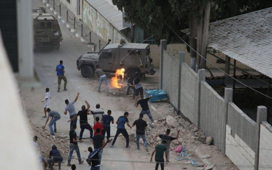 Gyvenvietėje Vakarų krante Izraelio pajėgos surengė reidą