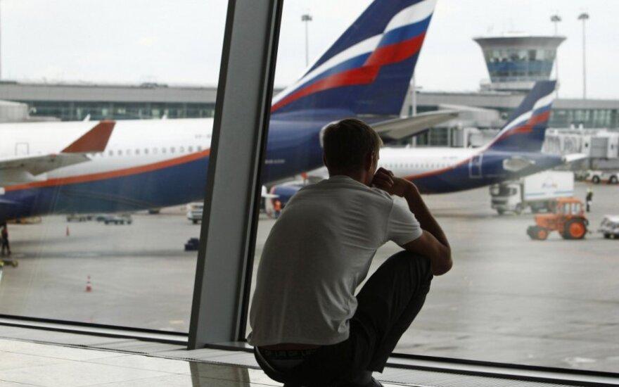 Rusai masiškai sprunka su grynaisiais iš Maskvos?