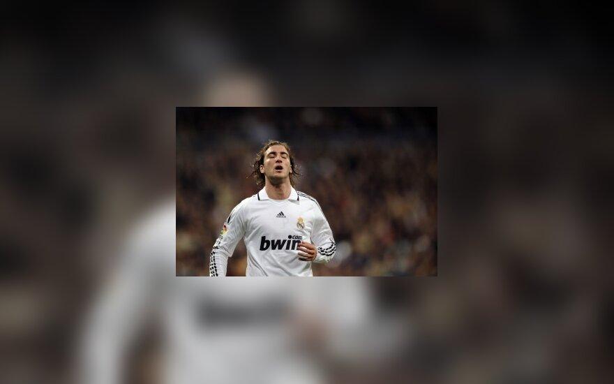 "Gonzalo Higuainas (""Real"")"