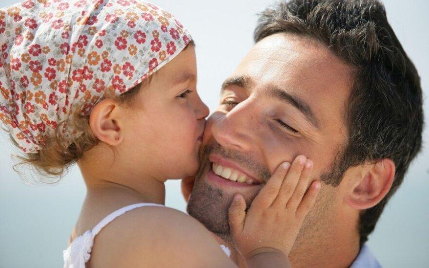 Kaip tėvų elgesys paveikia dukterų gyvenimą
