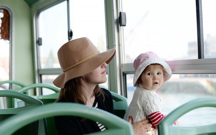 Keliaujantiems: kokį vaiko dokumentą turėti, kad kelionė nepasibaigtų dar neprasidėjus