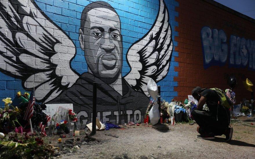 Rasinės neteisybės simboliu tapęs Floydas bus palaidotas Hjustone