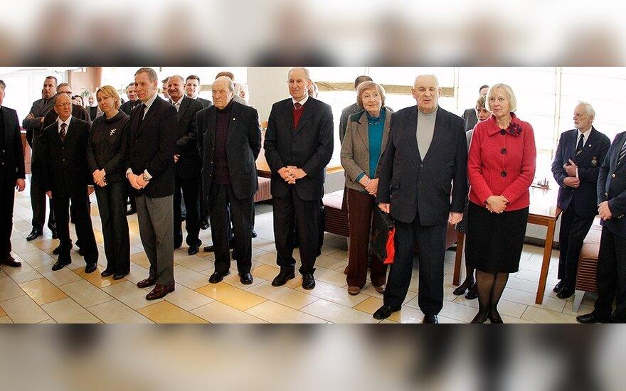 Apdovanojimai – ilgamečiams Lietuvos sporto puoselėtojams