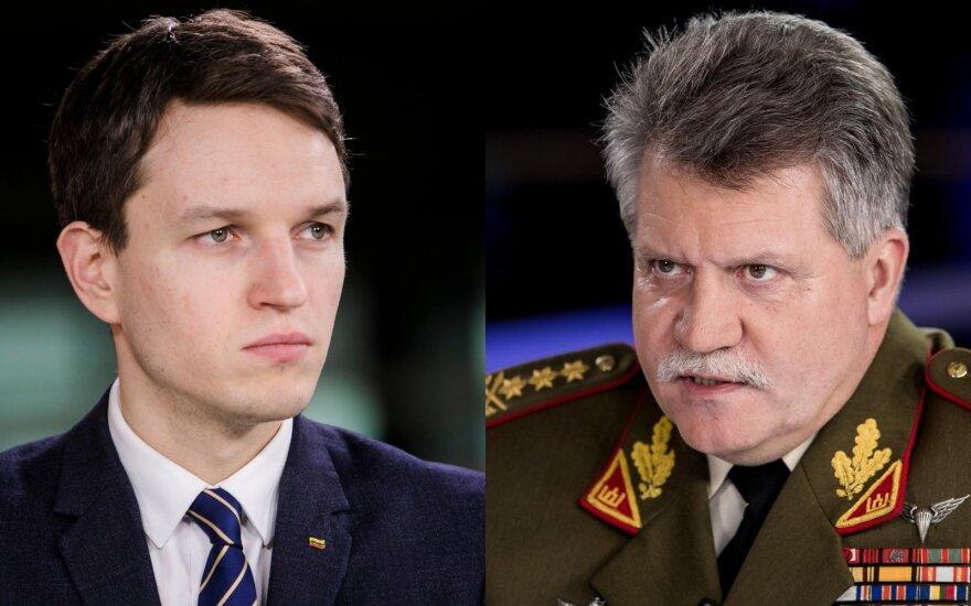 Po Nausėdos pareiškimo teko aiškintis kariuomenės vadui ir politologui