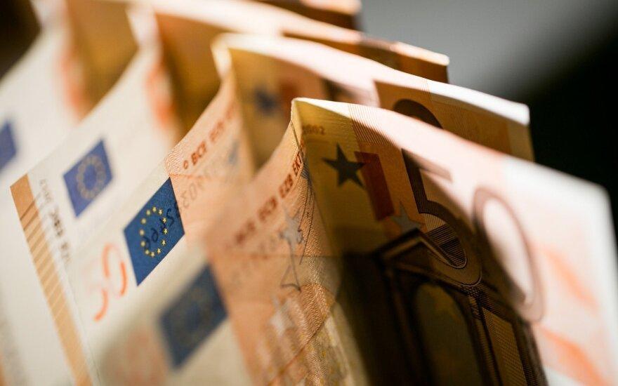 Jurbarko parduotuvės darbuotoja įtariama pasisavinusi per 17 tūkst. eurų