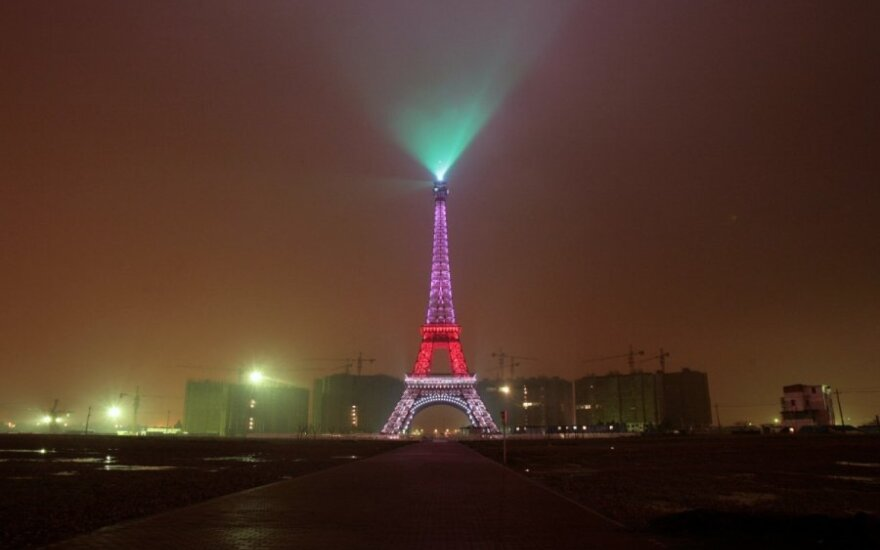 Eiffelio bokšto kopija Kinijoje