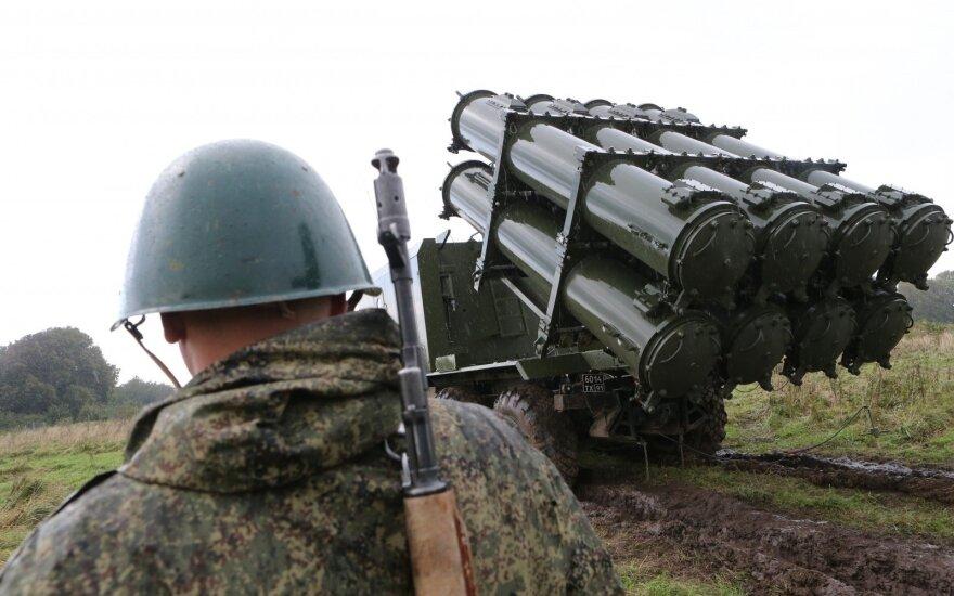 Įtakingi ekspertai: NATO privalo ruoštis atremti staigų Rusijos įsiveržimą į Europą