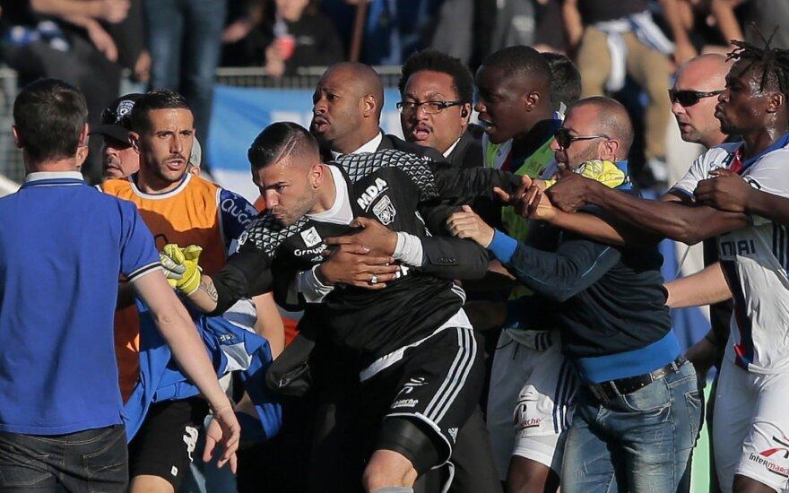 """""""Lyon"""" žaidėjus užpuolė varžovų fanai"""