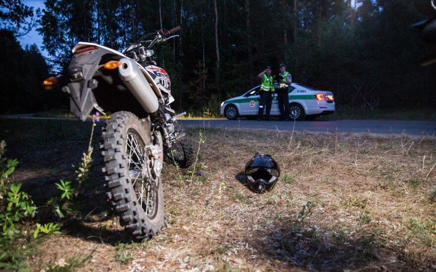 Pasivažinėjimas kaimynų motociklu baigėsi prastai