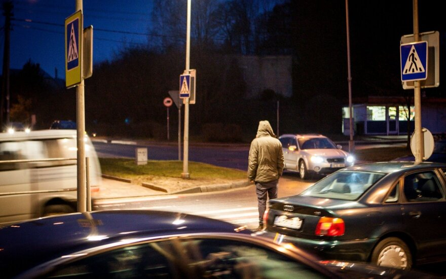 Perspėja vairuotojus: plinta naujas sukčiavimo būdas