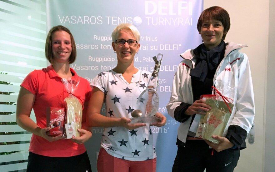 """""""Vasaros teniso turnyro su DELFI"""" nugalėtojams atiteko dvi krištolinės raketės"""