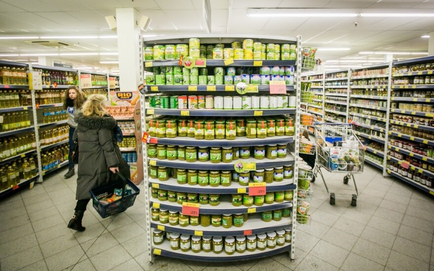 Retailer markups not euro to blame for price hikes - Lithuanian PM
