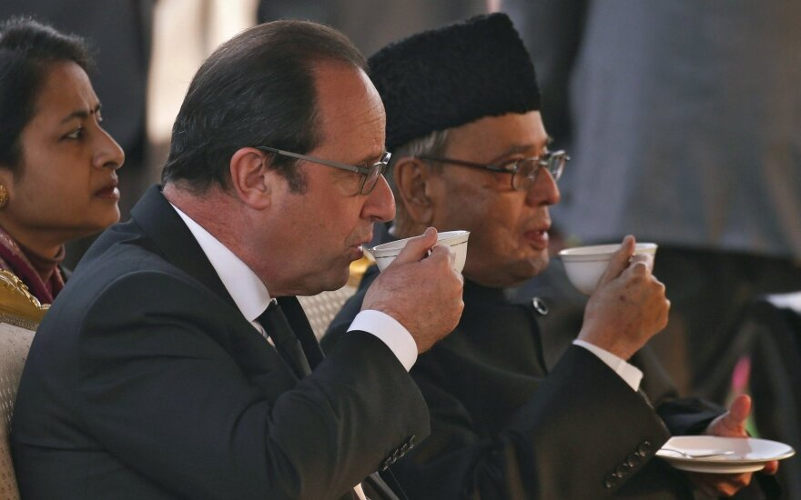 Francois Hollande'as, Pranabas Mukherjee