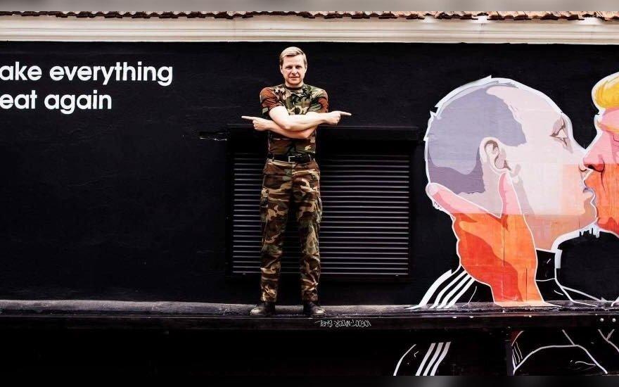 Mayor Remigijus Šimašius by the mural. Photo by Rūta Jankauskaitė