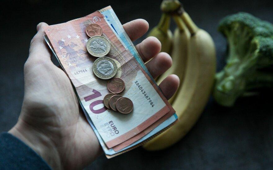 Estijos centrinio banko vadovas: galbūt lietuviai nepasitiki euru, nes įsivedė neseniai
