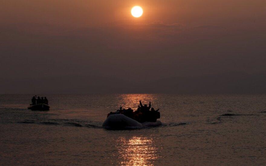 Migrantų valtis netoli Lesbo salos