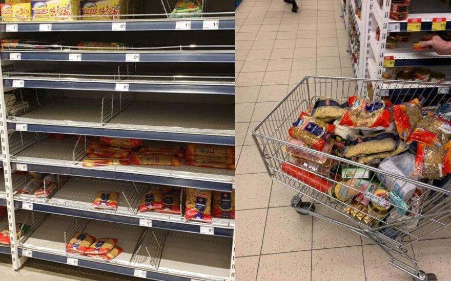 Viruso įsibaiminę lietuviai šluoja parduotuvių lentynas: prekybos tinklai ramina – prekių nepritrūks