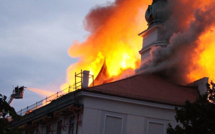 Sudegusi Rygos pilis-prezidento rezidencija buvo apdrausta
