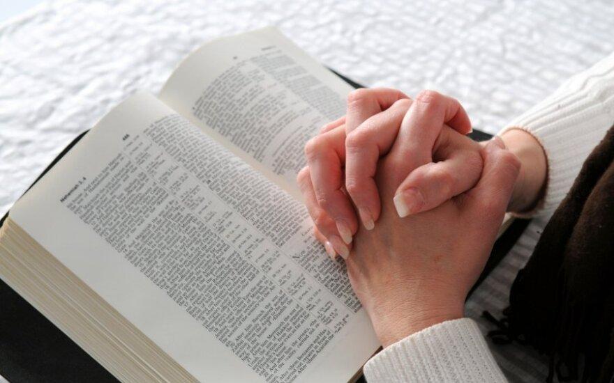 Lenkijos Katalikų Bažnyčia nori įvesti privalomą religijos egzaminą
