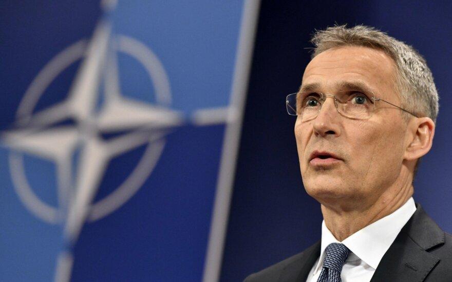 """NATO ragina Rusiją liautis elgusis """"beatodairiškai"""""""