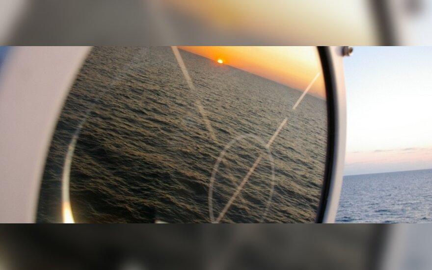 Nigerija: piratų pagrobti Šveicarijos laivo įgulos nariai - šešių šalių piliečiai