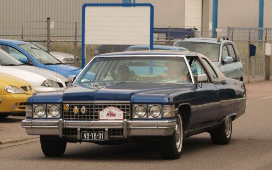 Cadillac de Ville (1974 m.)