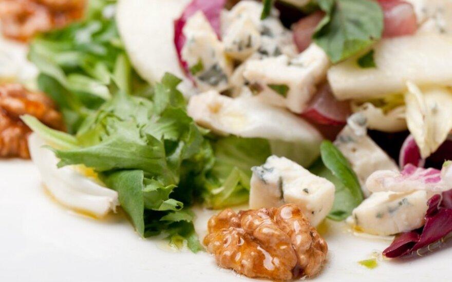 Kriaušių, avokadų ir cikorijos salotos