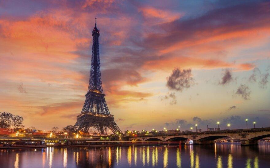 Prancūzijoje dėl streikų bus atšaukta penktadalis skrydžių