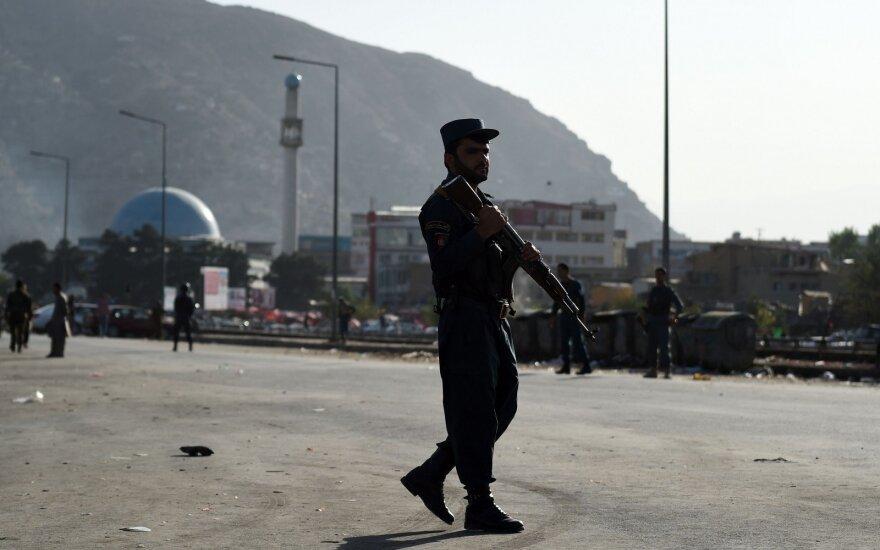 Afganistane talibai viešai pakorė studentą