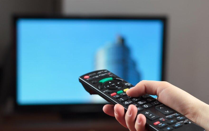 Parduotuvėje nekokybišką televizorių nusipirkęs pirkėjas po ilgos kovos švenčia pergalę