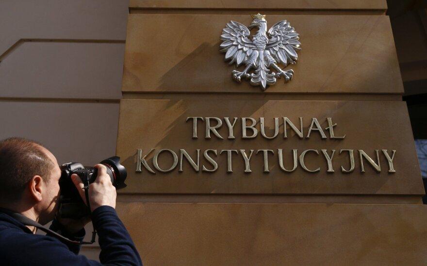 Lenkija atmeta ES reikalavimus dėl KT krizės