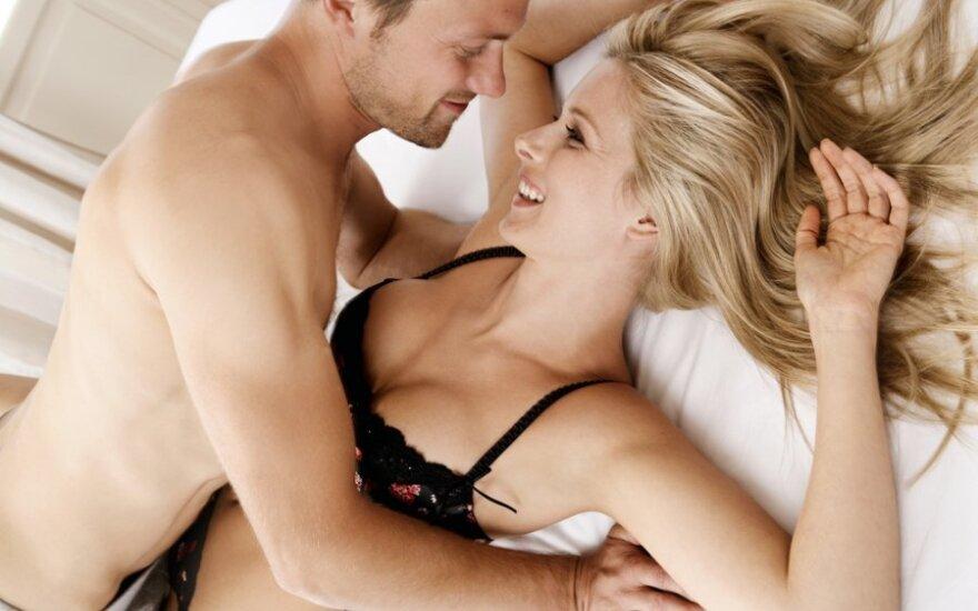 Moters orgazmas susijęs labiau su galva, nei kitomis kūno vietomis