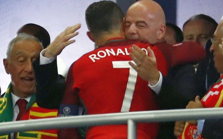 Šansas Lietuvai? FIFA prezidentas: pasaulio čempionate turi žaisti 40 komandų