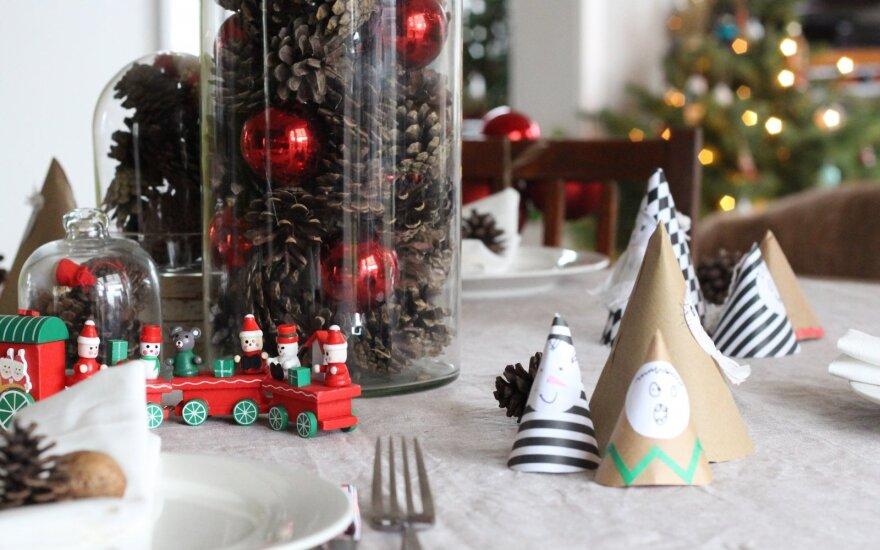 Kalėdų stalo puošyba: kokybiškas laikas su šeima
