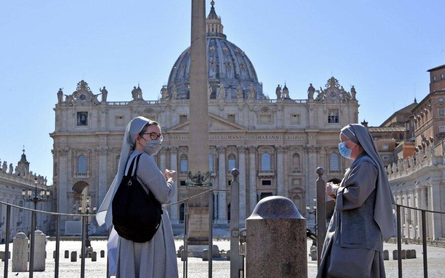 Vatikanas vėl atidaro lankytojams savo muziejus ir Siksto koplyčią