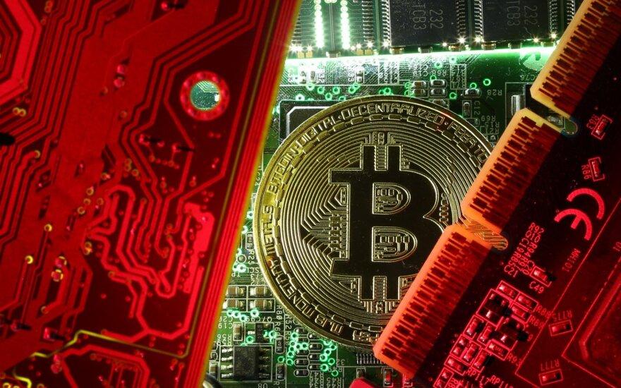 Bitkoino kursas krito žemiau 9 tūkst. JAV dol.