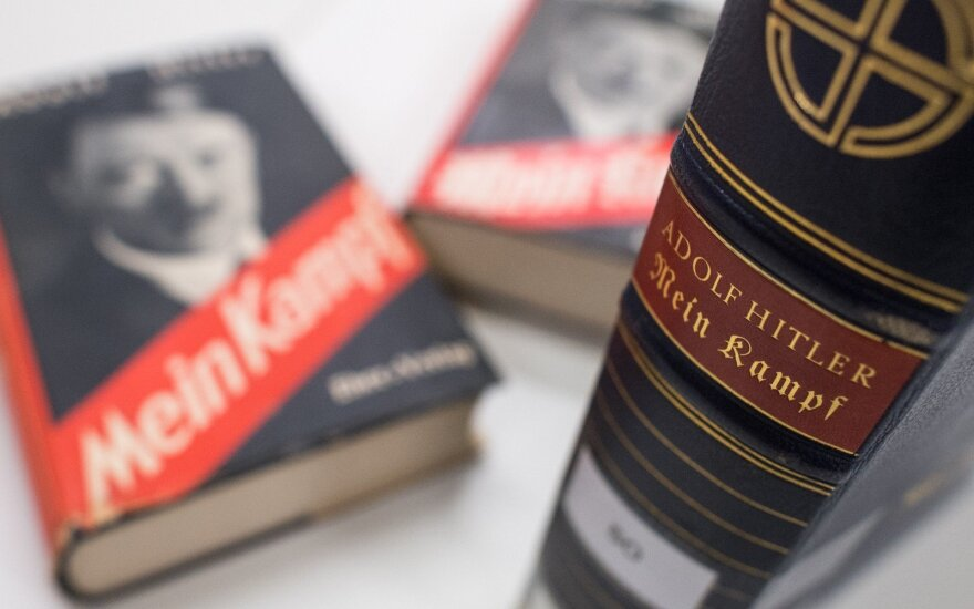 "Hitlerio ""Mein Kampf"" egzempliorius JAV parduotas už 20 655 dolerius"